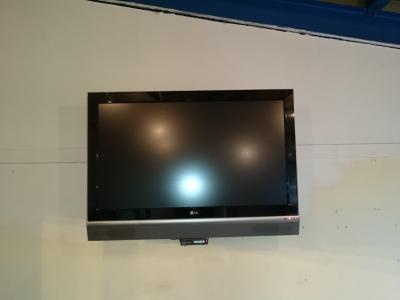 La TV est fixée...